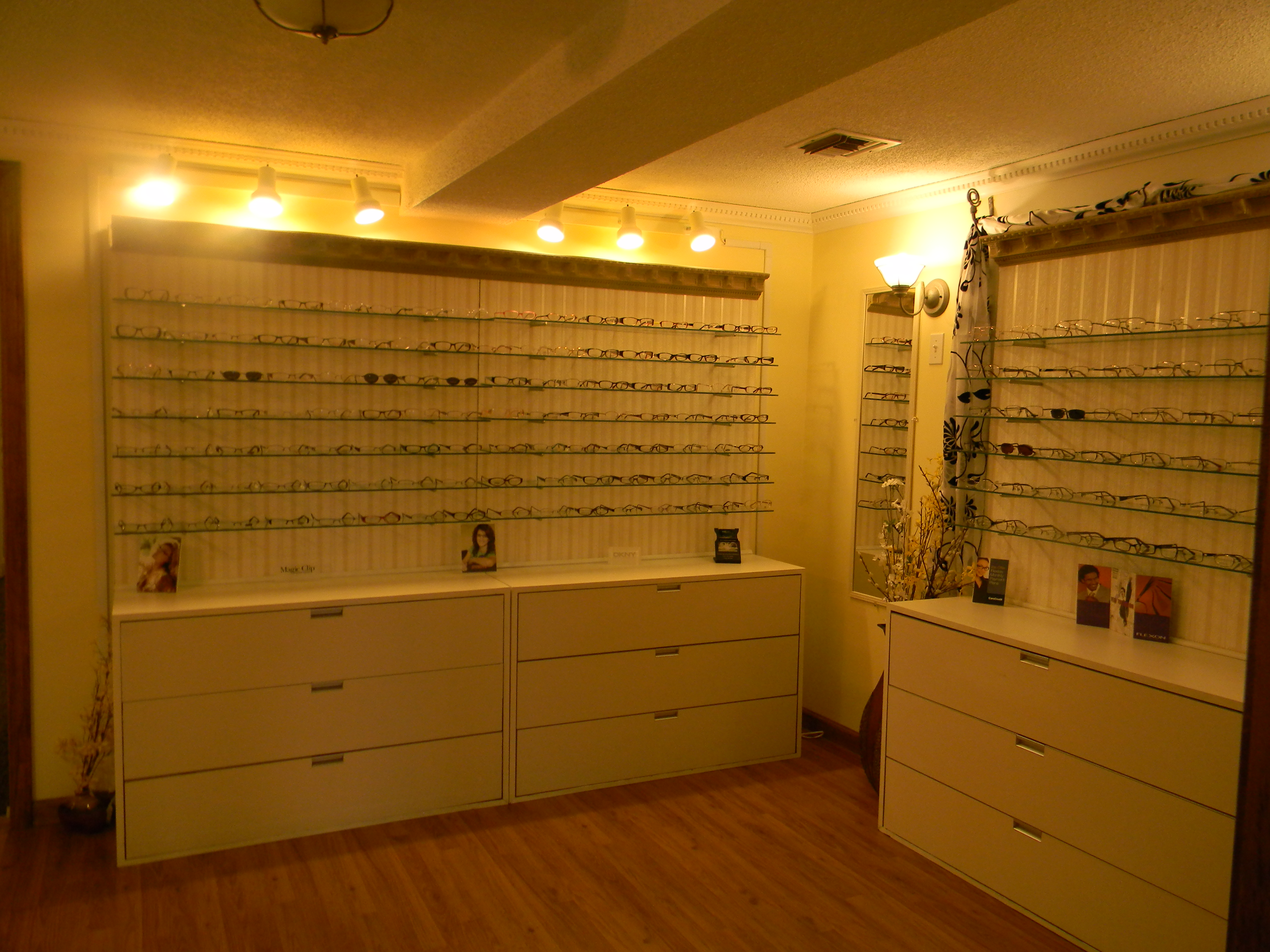 Greenville Eyeglass & ContactsContacts in Greenville Illinois